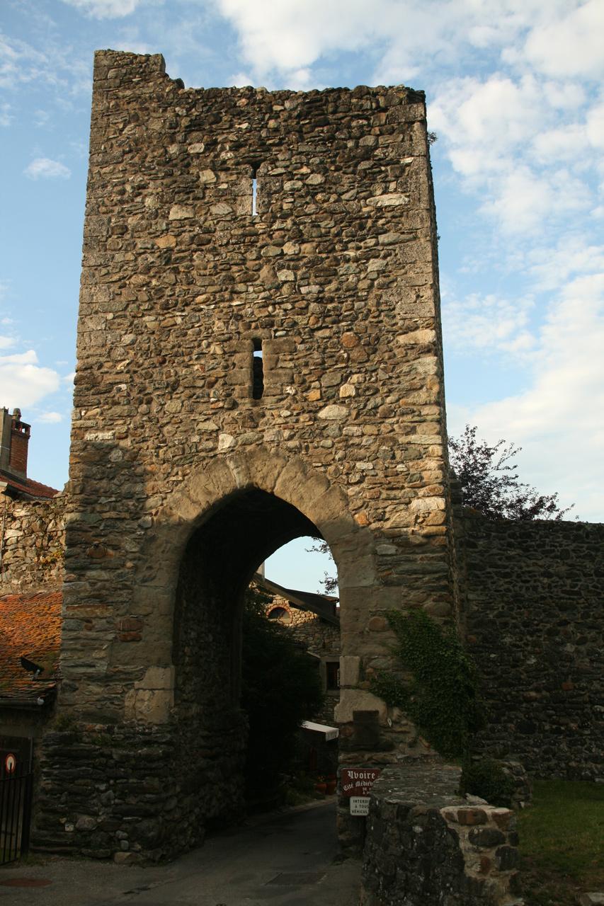 La Porte fortifiée - de Nernier - permettant d'entrer à Yvoire.